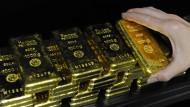 Auch Goldbarren sind etwas beliebter geworden.