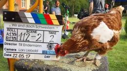 "615 Euro für totes Filmhuhn ""Sieglinde"""