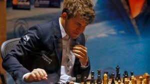 Carlsen gewinnt abermals gegen Anand