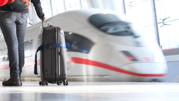 Die Bahn erhöht die Preise nicht – wenn die Steuer sinkt