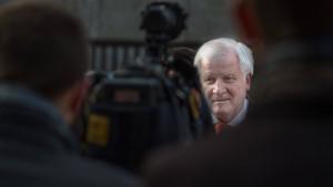 Seehofer sorgt sich um Einigkeit der Koalition