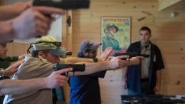 Jüdische Amerikaner bewaffnen sich