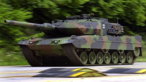 Berlin schweigt zu angeblichem Aus für Panzergeschäft