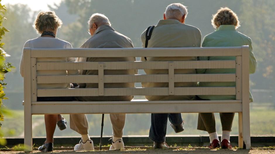 Damit die Aussicht für Rentner in Zukunft sonnig bleibt, muss dem Umlagesystem eine Vorsorge am Kapitalmarkt zur Seite gestellt werden.