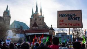 Tausende demonstrieren gegen Zusammenarbeit mit AfD