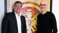 Partner: Eintracht-Vorstand Axel Hellmann (links) und Indeed-Marketingexperte Paul D'Arcy.