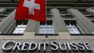 Wegen Beihilfe zur Steuerhinterziehung soll die Credit Suisse eine Milliardenstrafe zahlen
