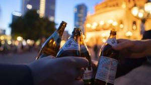 Post-Corona-Partys von Freitag an erlaubt