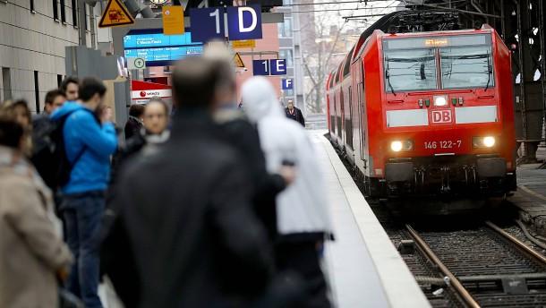 Die Bahn erhöht die Preise im Nahverkehr
