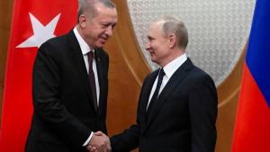 Putin empfängt Erdogan und Rohani