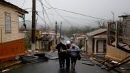"""In der puerto-ricanischen Stadt Guayama hat Hurrikan """"Maria"""" ganze Straßen in Flüsse verwandelt."""