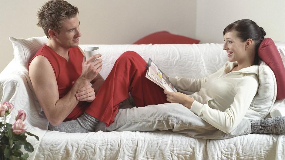 Ist es komisch, wenn man plötzlich zusammenwohnt – obwohl man sonst immer eine Fernbeziehung führt?