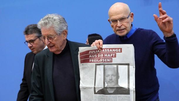 Prominenter Aufruf zur Freilassung von Julian Assange