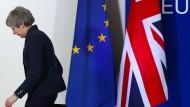 Theresa May verlässt die Bühne nach dem EU-Gipfel in Brüssel vergangenen Donnerstag.