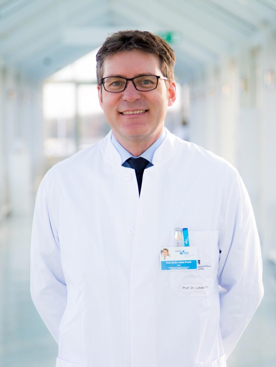 """Der plastische Chirurg Lukas Prantl weiß durch weltweite Studien, was Menschen als """"schön"""" empfinden."""