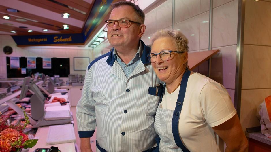 Emmerich Schneck und seine Frau Angelika in ihrer Metzgerei in Rüdesheim