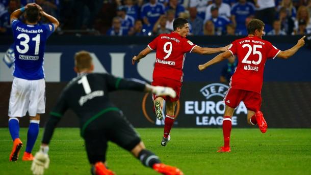 Schalke gibt sich erst spät geschlagen