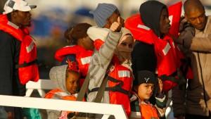 Deutschland will Flüchtlinge von Rettungsbooten aufnehmen