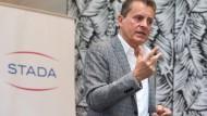 Dreisatz: Claudio Albrecht will Stada zentralisieren, internationalisieren und unabhängiger von der Chemie machen.