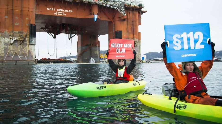 Greenpeace-Aktivisten im April 2019 bei einer Protestaktion auf einer Öl-Plattform in Norwegen