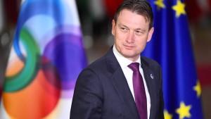 Niederländischer Außenminister tritt wegen Putin-Lüge zurück