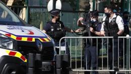 Mann ersticht Polizeiangestellte