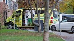 Bewaffneter stiehlt Rettungswagen