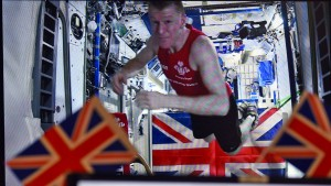 Brite läuft schnellsten Weltall-Marathon