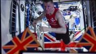 Im All auf dem Weg ins Ziel: Tim Peake läuft den London-Marathon im Weltraum.