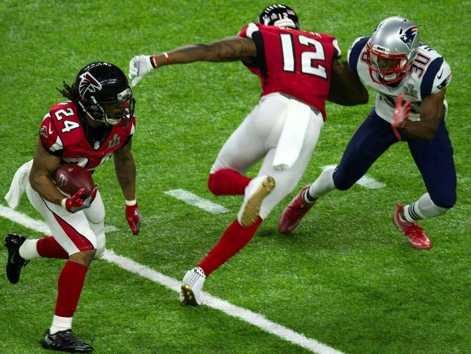 Devonta Freeman von den Atlanta Falcons tritt gegen die New England Patriots an.