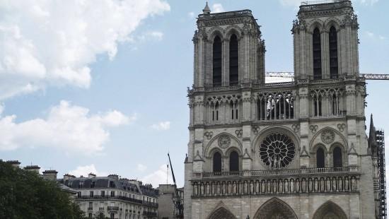 Virtuelle Tour durch die zerstörte Kathedrale