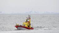 Rettungskräfte der Schwedischen Gesellschaft zur Rettung Schiffbrüchiger suchen Mitte August in der Lundakra-Bucht nach der vermissten Journalistin Kim Wall.