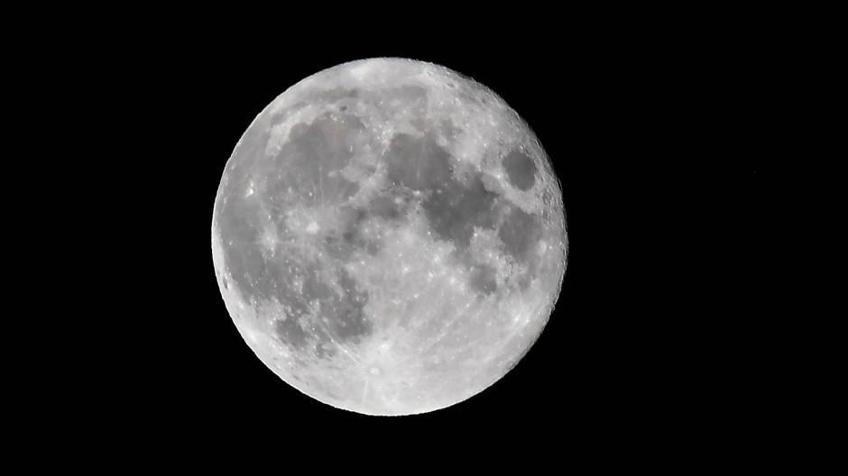 Wonach riecht der Mond?