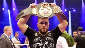 Ruslan Chagaev bleibt WBA-Weltmeister