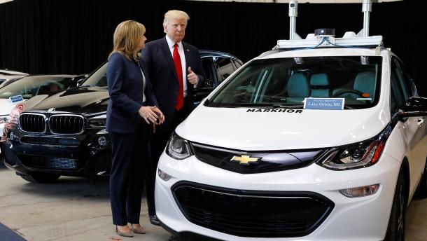 Eine mächtige Phalanx gegen Trump