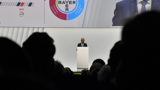 Aktionäre strafen Bayer-Führung ab