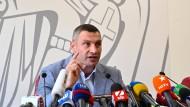 Gibt nicht auf: Klitschko bei einer Pressekonferenz im Sommer