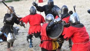 Klirrende Schwerter und alte Kampfkünste in der Ukraine