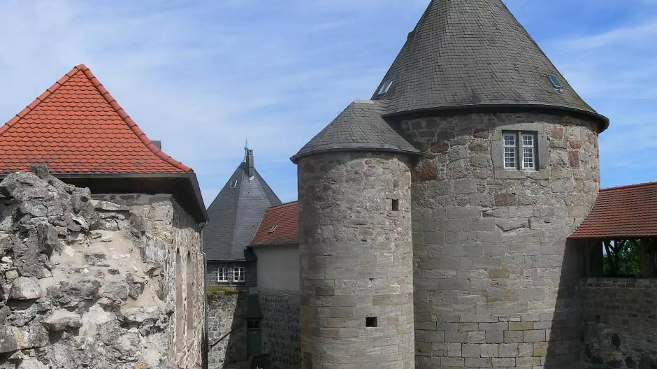 Burg Herzberg: Dem Machtanspruch der hessischen Landgrafen entsprach die Kraft der Mauern.