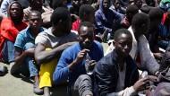 Libyen nimmt 600 Flüchtlinge auf dem Weg nach Europa fest