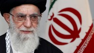 Chamenei wirft Amerikanern Hinterhältigkeit vor