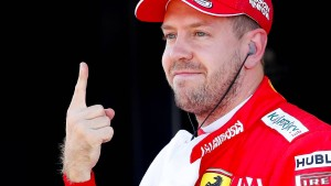 Sebastian Vettel startet von der Pole Position