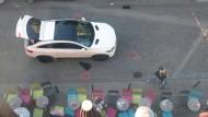 """Tatort: Vor der """"Helium""""-Bar am Stoltzeplatz schossen Hells Angels auf das Auto ihrer Widersacher."""
