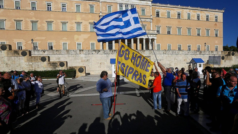 Immer noch demonstrieren Griechen für den Rücktritt der Regierung – hier am Mittwoch.