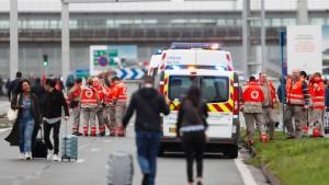 Pariser Flughafen-Angreifer hatte Drogen und Alkohol im Blut