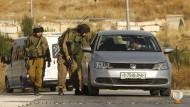 Israelischer Militäreinsatz im Dorf Jata, der Heimat der mutmaßlichen Attentäter