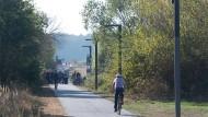 Anfangsstadium: In Hessen wird derzeit der erste Radschnellweg von Frankfurt nach Darmstadt gebaut. Eine Route in den Vordertaunus soll folgen.