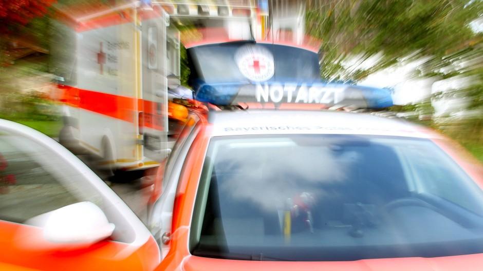 Propellermaschine stürzt ab: Unter den Verletzten ist auch ein Kleinkind.