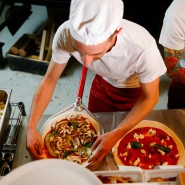 Einbruch in Pizzeria: In Bischofsheim haben Diebe Wurst mitgehen lassen.
