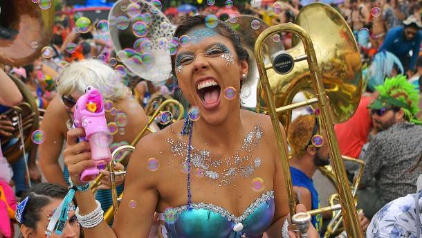 Straßenparty in Rio